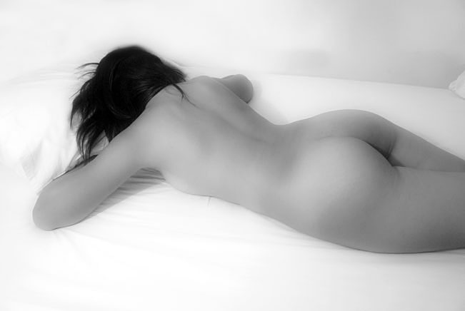 Black-White-Nude-Sleeping-in-Bed